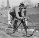 Велосипедный гонщик (1909 год)